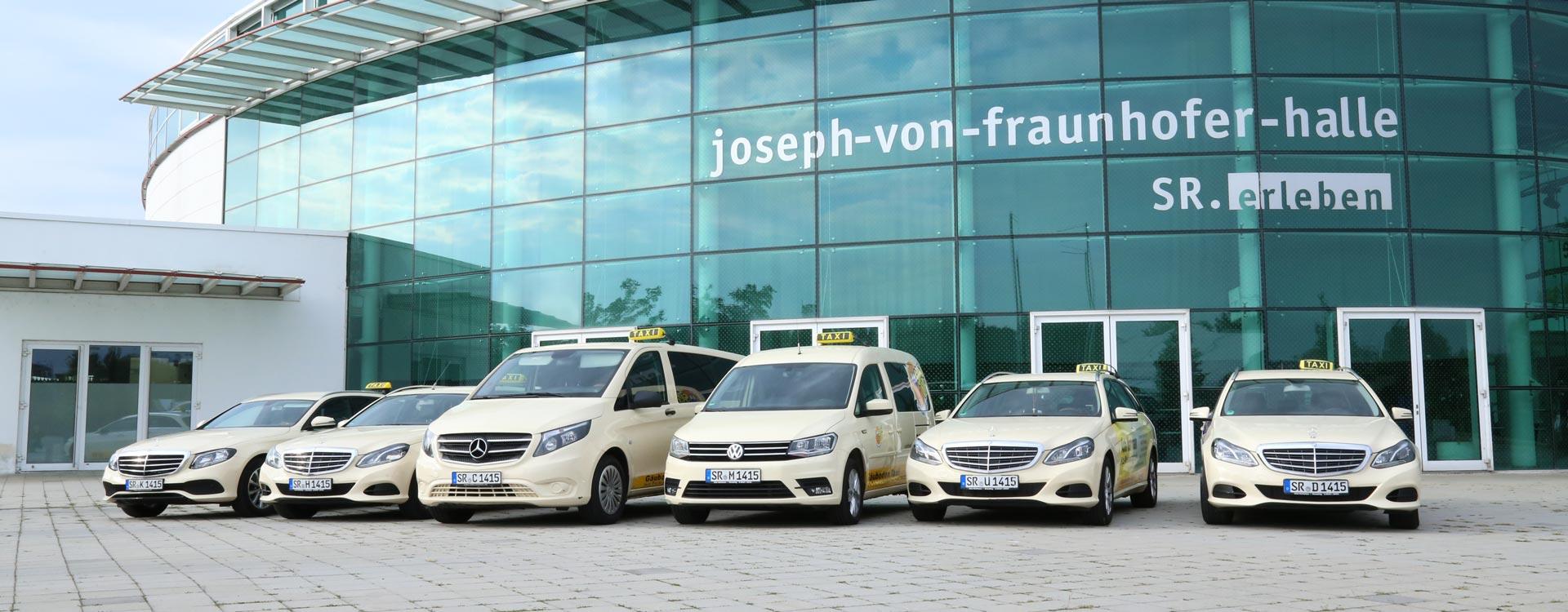 Fuhrpark mit Taxis in Straubing