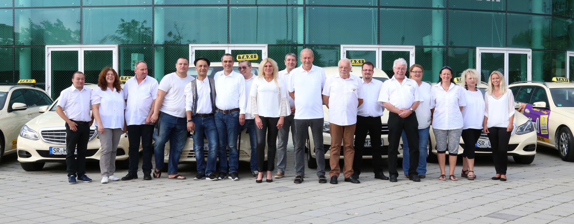Team von Taxiunternehmen in Straubing
